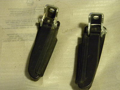 Piaggio FLY 4T 4V  Side Pedal Set