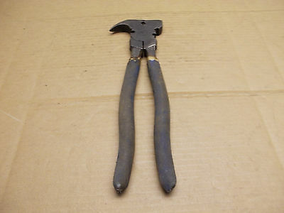 Vintage Fence Wire Plier With Staple Puller