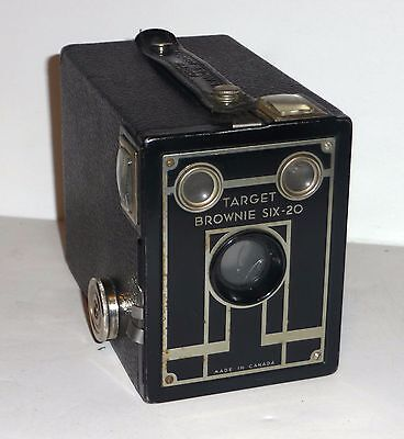 Vintage Target Brownie Six-20 Camera Cracked Lens Display Only Home Decoration