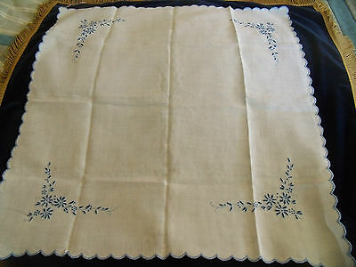 """Vintage white linen scallop edge hand embroidered table cloth 32x34"""""""