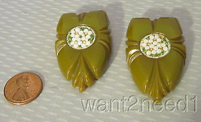 old vtg pair deep carved KHAKI GREEN LEAF DRESS CLIPS inset glass mosaic TESTED