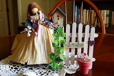 "VINTAGE CORN HUSK DOLL ""IN THE GARDEN"" -- Nan Anderson -- VERY RARE"