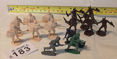 Romans, Vikings and WWII Toy soldiers Figures JOB LOT (See pics) WX183