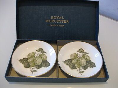 Beautiful Little Vintage Boxed Pair of 2 Royal Worcester Bone China Dishes