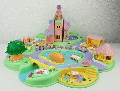 Polly Pocket Dream World Playset 11 Dolls - Accessories  excellent condition