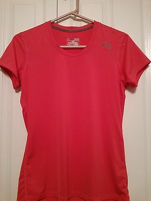 Under Armour fitted heat gear athletic shirt woman size medium