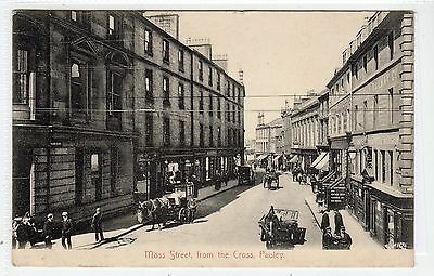 MOSS STREET FROM THE CROSS, PAISLEY: Renfrewshire postcard (C22572)