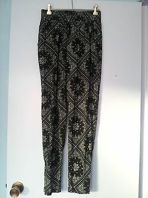 ladies black and white alley pants size 8