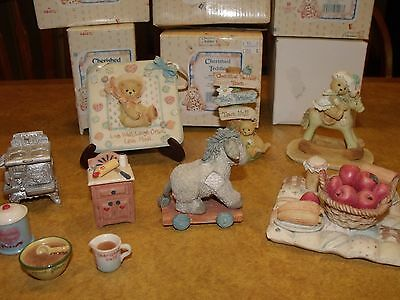 6 Piece Group Of Older Cherished Teddies Accessory Pieces  Free Shipping