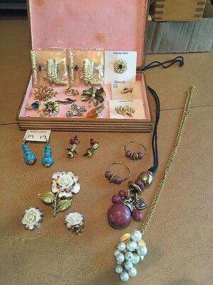 21 Piece Lot Fashion Jewelry With Wooden Box