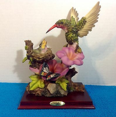 Large Montefiori Collection Hummingbird birds butterfly Figurine on Wooden Base