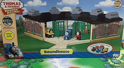 NEW Wooden THOMAS Railway ROUNDHOUSE WITH TRAINS TRACK SWITCH