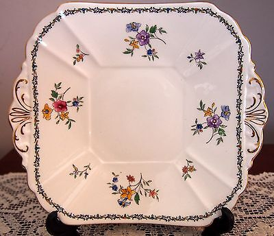 C1930 SHELLEY Queen Anne 'Lowestoft' Supper Plate 11595 24 Cms Wide