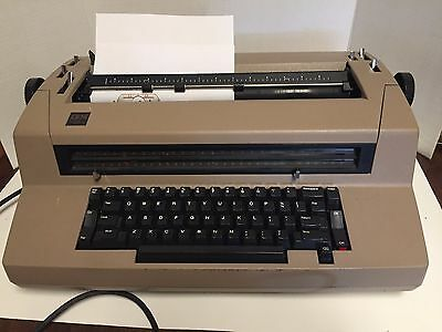 IBM Typewriter Selectric III Correcting  powers on for parts or repair