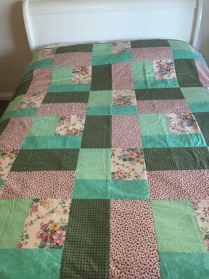 """Handmade patchwork quilt Large Size 61"""" X  73"""" Long 'flowers'"""