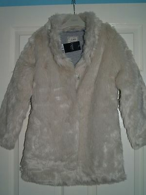 BNWT GIRL'S NEXT Cream/ White Faux Fur coat Size: 9-10 Yrs old on label RRP £58