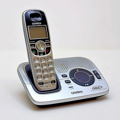 Uniden DECT 2035 cordless telephone and answering machine with caller ID