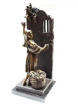 bronce sculpture figur figurine grape picker