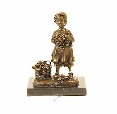 bronce sculpture figur figurine women lady basket with grapes
