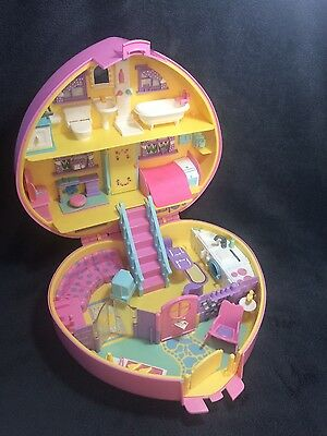 Bluebird Vintage 1992 Lucy Locket Carry & Play House - Polly Pocket.
