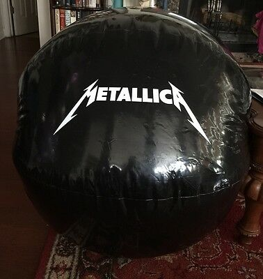 Metallica Magic Beach Ball - XXL
