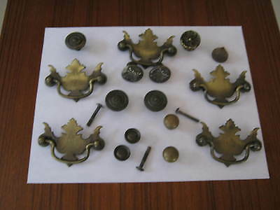 Mixed Lot of 16 Vintage/Antique Brass Metal Drawer Pull Knobs