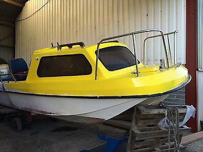 19ft Wilsonflyer Boat With Fly Bridge And Teleflex