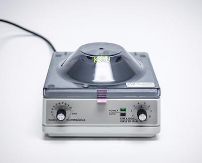 VWR Scientific Model V Micro Centrifuge 1000 RPM With 6 Place Rotor (2186A)