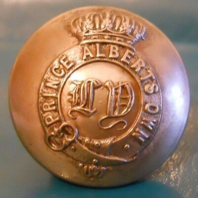 S/p Officers Uniform Button .leicestershire Yeomanry.