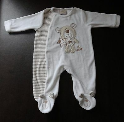 New Clothes for child size 3-6 mth