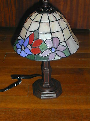 Tiffany Style Stained Glass Lamp New In Box Accent Heritage Floral