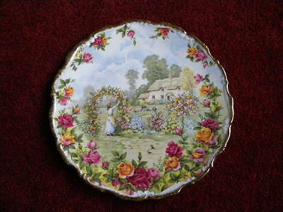 """Royal Albert Plate """"A cellebration of the Old Country Roses Garden"""" 1986 21 cm"""