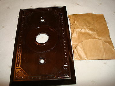 Vintage Amalgamated Electric Bakelite Brown Ribbed 1 Push Button Wall Plate Nos