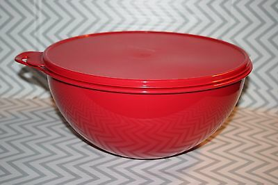 Tupperware Thatsa Mixing Bowl 32 cups/7.8 Liters Red New!!!!