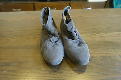 Womens size 8 grey flat ankle boots