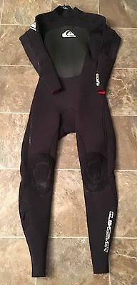 Quicksilver 3.2 Full Wetsuit (Large) with hood, boots and gloves