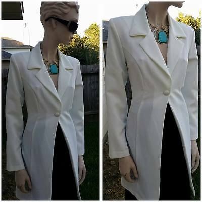 Beautiful vintage ivory 90s long blazer by city triangles size 9