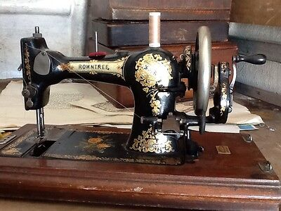 rowntree and son s scarborough rowntree vintage antique sewing machine • EUR 54,18
