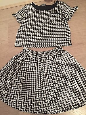 Girls Skirt And Top