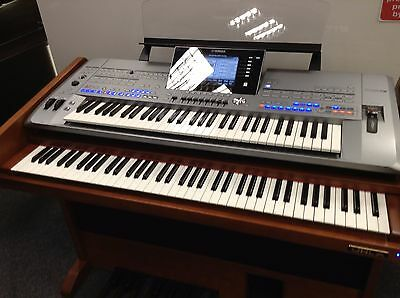 Yamaha Tyros 5 Traditionale Organ System in Perfect Condition Matching Bench