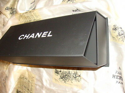 CHANEL MAGNETIC BOX , Oblong Very large