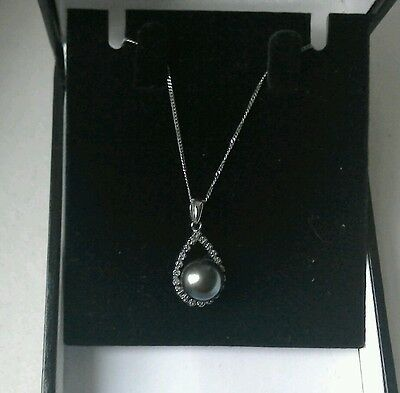 stunning 9ct white gold pear drop shaped diamonds and pearl necklace
