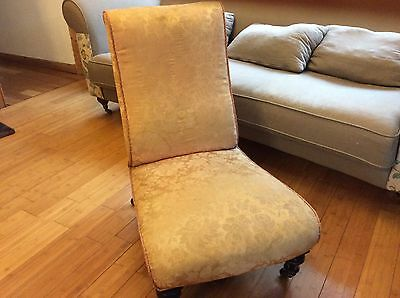 Antique Vintage Bedroom/nuring/cocktail Chair.