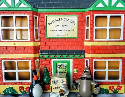 Wallace and Gromit House and Figures including RARE cooker