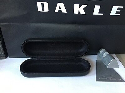 Oakley vault hard case for sunglasses