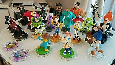 Disney Infinity Lot of 19 Figures, 2 power discs, portal and xbox one 2.0 game