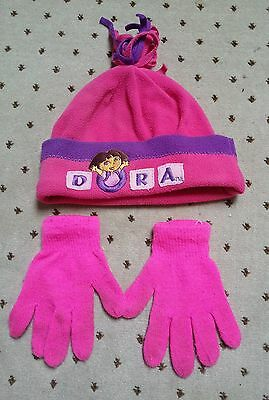 Girls warm and cosy Dora's hat and gloves set in excellent condition aged 4-6ye