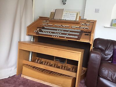 Classical church organ with bench and Sharma Speaker