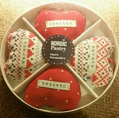 Nordic Pantry Lavender Scented Heart Pomanders Gift Set