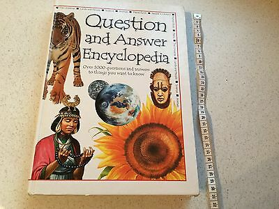 Hardback Questions & Answers Encyclopaedia. Ideal Christmas Gift